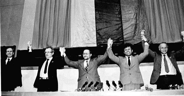 1990_Nepriklausomybes_atkurimas
