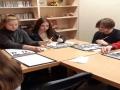 Čia 1g klasės mokiniai, kurie bando rašyti, paišyti paprasčiausias linijas, kurios kartais reiškia kažką labai svarbaus.